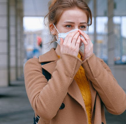Pay attention to the ethics of sneezing